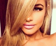 This blush lip look is incredibly sexy against her smokey eyes and blonde h… - Modern Jean Watts, Beauty Make-up, Beauty Hacks, Hair Beauty, Beauty Ideas, Beauty Girls, Kiss Makeup, Hair Makeup, Makeup Hairstyle