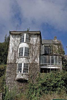 Creepy House by quinnykins, via Flickr