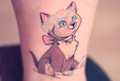 Disney Tattoo - Dinah the kitten from 'Alice in Wonderland'. Gotta admit, I'm a little jealous I didn't get this tattoo first Love Tattoos, Beautiful Tattoos, New Tattoos, Body Art Tattoos, Sweet Tattoos, Tatoos, Awesome Tattoos, Beautiful Body, Small Tattoos