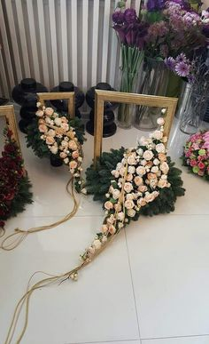 Arrangements Funéraires, Funeral Flower Arrangements, Funeral Flowers, Cascading Flowers, Elegant Flowers, Natal Natural, Grave Decorations, Funeral Tributes, Memorial Flowers
