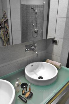 Round White Sink With Chrome Wall Mounted Faucet