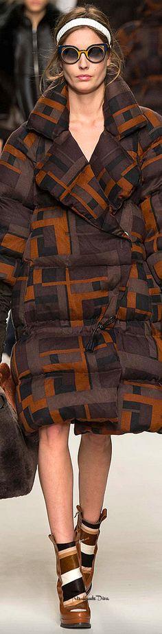 #MFW Fendi Fall 2015 RTW Designer: Karl Lagerfeld ♔THD♔