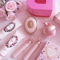 """❤ Blippo Kawaii Shop ❤: Photo princesspinch: """"That call is really cute~! Baby Pink Aesthetic, Aesthetic Beauty, Princess Aesthetic, Aesthetic Makeup, Girly Things, Little Things, Pink Wallpaper Girly, Cute Makeup, Kawaii Makeup"""