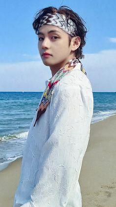 Kim Taehyung Funny, V Taehyung, Daegu, Bts Photo, Foto Bts, Bts Concept Photo, V Bts Wallpaper, Handsome Faces, I Love Bts