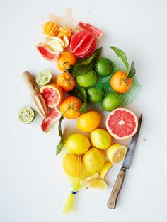 Citrus fruits have been known to possess gentle cleansing and detoxifying effects that support a healthy immune system! A great way to get more into your diet is to use a water infuser, drink and enjoy! Fruit And Veg, Fruits And Veggies, Fresh Fruit, Citrus Fruits, Citrus Juice, Eat Fruit, Cuisine Diverse, Clean Eating, Healthy Eating