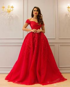 Red 2017 Ball Gown Lace Evening Dresses Appliques Beaded Off Shoulder Neckline Prom Dress Floor Length Ruffles Formal Evening Gowns