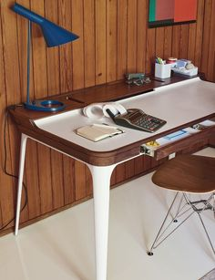 Airia™ Desk
