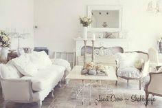 French-Shabby-Chic-Bedroom-Ideas.jpg (831×553)