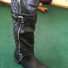 Black Moto Boot Black Flat Moto Boot. Side Fashion Zipper With Quilted Back & Fashion Buckle. Size 8 Never Worn. Venus Shoes Combat & Moto Boots