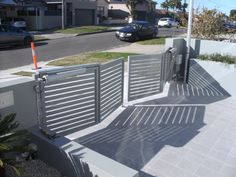 Low Bi-fold gate