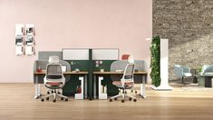 With a refined look and custom fit, Soffio screens recognize that privacy is precious in the open office. Adjustable Height Desk, Open Office, Ribbed Fabric, Open Floor, Screens, Floor Plans, Flooring, Spaces, Fit