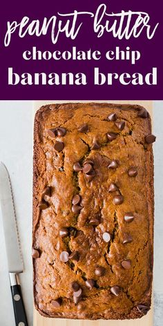 Peanut Butter Chocolate Chip Banana Bread Oooh, yes! This Peanut Butter Chocolate Chip Banana Bread is the best of all possible worlds! This riff on classic Banana Bread is so good, the whole loaf will be gone before you know it. Peanut Butter Banana Bread, Peanut Butter Desserts, Healthy Banana Bread, Chocolate Chip Banana Bread, Chocolate Chip Recipes, Banana Bread Recipes, Chocolate Peanut Butter, Healthy Chocolate, 2 Bananas Banana Bread