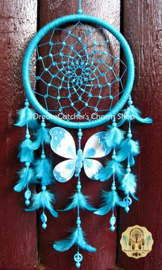 Blue Dream Catcher, Dream Catcher Decor, Beautiful Dream Catchers, Dream Catcher Mobile, Los Dreamcatchers, Diy Room Decor For Teens, Indian Arts And Crafts, Dream Catcher Native American, Native American Crafts
