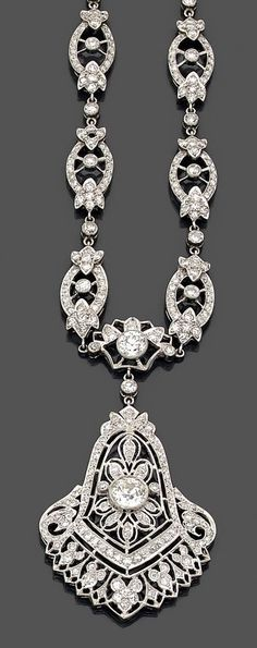 Platinum and diamond necklace, circa 1920.