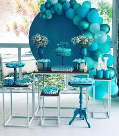Festa de 15 anos simples: 100 decorações encantadoras e acessíveis Tiffany Birthday Party, 18th Birthday Party Themes, Tiffany Party, Blue Birthday, Ballon Decorations, Diy Birthday Decorations, Wedding Decorations, Baby Shower Balloons, Birthday Balloons