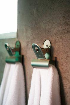 comment choisir la plus belle porte serviette murale salle de bain