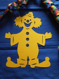 Fensterbild Tonkarton Karneval lachender Clown gelb 29 cm Deko filigran NEU + in Bastel- & Künstlerbedarf, Bastelmaterialien, Bastelpapier | eBay!