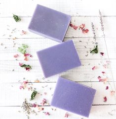 It's Monday and today just seems like a lavender type of day. Soap Maker, Lavender Soap, Organic Soap, Cold Process Soap, Handmade Soaps, Goat Milk, Bar Soap, Organic Skin Care, Aspen