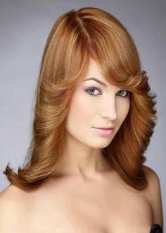 Dark brown hair with caramel highlights Dark Brown Hair With Caramel Highlights, Hair Color Highlights, Latest Haircuts, Stylish Haircuts, Evening Hairstyles, Cool Hairstyles, Female Hairstyles, Short Thin Hair, Short Hair Styles