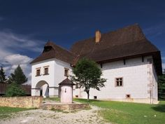 Rare manor house in Pribylina, Slovakia Save For House, Bratislava, Amazing Pictures, Get Outside, Palaces, Homeland, Czech Republic, Prague, Castles