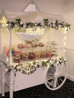 Girl Baby Shower Decorations, Boy Baby Shower Themes, Wedding Decorations, Candy Bar Wedding, Wedding Sweets, Wedding Sweet Cart, Antique Tea Cart, Kids Wedding Activities, Cotton Candy