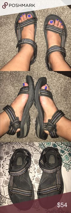 Teva spider rubber shoc pad sandals Men's 9.5 Great shoes for this summer trips!  Striped design. Comfy! Size 9.5 men equal size 11 in women.  See sizing chart on website for reference. Teva Shoes Sandals