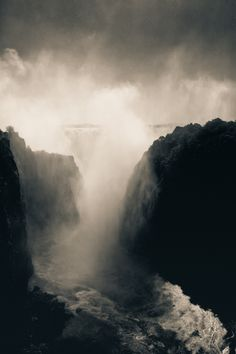 Mighty Falls.  Victoria Falls seen from the Zambian side.  by Mario Moreno.