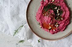 Hummus z červené řepy - Kitchen story Kitchen Stories, Hummus, Grains, Beef, Vegetables, Ethnic Recipes, Food, Meat, Essen