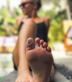 19 tattoo-ideeën voor op je tenen - NSMBL