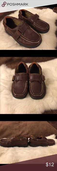 Sperry Kids Top-Sider Shoes Cutter H&L Dark Brown Sperry Top-Sider dark brown leather shoes with Velcro straps, boys size 8.5 W per inner tag. Shoes are well loved with wear / scuff marks on leather and a few spots with minor fraying / fuzzing of stitching which appears to be cosmetic only (please see pictures). Shoes are super cute with lots of life still left in them! Sperry Top-Sider Shoes Sneakers