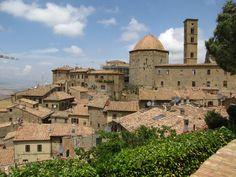 Volterra, #toscane #tuscany #italy photo by SheelaghMairi