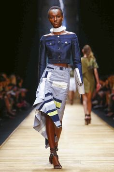 Guy Laroche Fashion Show Ready to Wear Collection Spring Summer 2016 in Paris