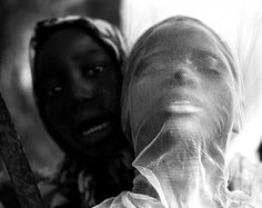 Harandane Dicko, brings us an ingenious photographic series, simply and aptly called LA MOUSTIQUAIRE (The Mosquito Net).