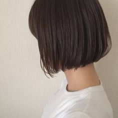 ショートヘアスタイル 無造作 外国人風 黒髪 外ハネ アッシュ 切りっぱなしボブ ロブ ボブ