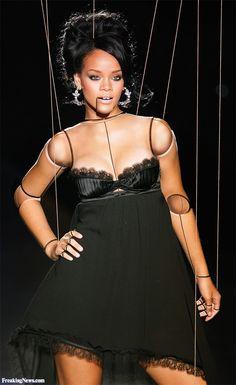 Body makeup http://puppet-master.com - THE VENTRILOQUIST ASSISTANT
