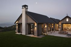 Modern Farmhouse Exterior Designs Displaying Classic Comfort in Today Style - Countryside house with modern Farmhouse exterior design bringing up the traditional style in new classy look Image Farmhouse Architecture, Modern Farmhouse Exterior, Farmhouse Design, Lego Architecture, Enterprise Architecture, Farmhouse Office, Sustainable Architecture, Contemporary Architecture, Landscape Architecture