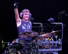 https://flic.kr/p/x7hU3C | Def Leppard - Sioux Falls - 2015 - 20-027 | Def Leppard performing at the Denny Sanford Premier Center - Sioux Falls, SD - 8-8-2015