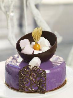 """white cake"" but purple :) Panna Cotta, Ethnic Recipes, Cakes, Purple, Dulce De Leche, Cake, Pastries, Torte, Animal Print Cakes"
