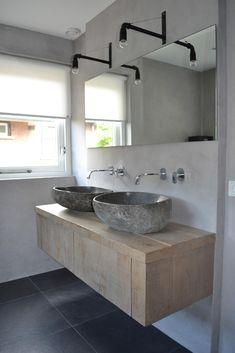 U zoekt een op maat gemaakt landelijk badkamermeubel? Bathroom Style, Bathroom Furniture, Simple Bathroom Decor, Bathroom Vanity, Minimalist Bathroom, Small Bathroom Styles, Bathroom Decor, Bathroom Inspiration, Tile Bathroom