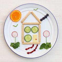 Este fue el snack de Pedrito hoy!!! Se lo comió casi todo... a excepción de los rabanitos que cuando los probó puso cara de limón y lo tiro lejos! Bueno, me los como yo jejeje. Los rabanitos tienen muchos beneficios: https://instagram.com/p/8jjr5-FWuf/  #foodart #funfood #kids #house #niños #comoda #snack #colacion