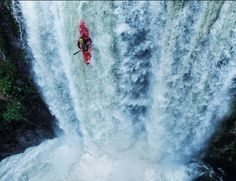 Tyler Brady kayaking down a waterfall. Photo by Tim Kemple [OS] Pictures Of The Week, Weird Pictures, Kayak Adventures, Outdoor Adventures, White Water Kayak, Waterfall Photo, Whitewater Kayaking, Canoe And Kayak, Explore Travel