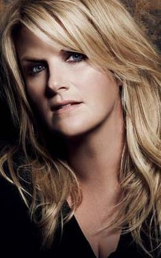 Q&A with country singer Trisha Yearwood Country Musicians, Country Music Artists, Country Music Stars, Country Singers, Blonde Color, Hair Color, Trisha Yearwood, Portraits, Female Singers