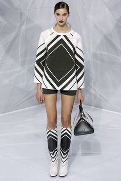 d56666343 Anya Hindmarch Spring 2016 Ready-to-Wear Collection - Vogue Tendências  Primavera Verão,
