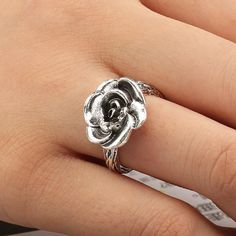 Female Gothic Stainless Steel Rose Flower Pattern Cast Ring Party Jewelry 6A