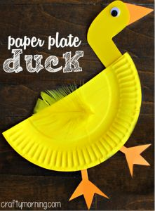 Have your kids make this cute paper plate duck craft! It's an easy and cheap… Have your kids make this cute paper plate duck craft! It's an easy and cheap art project for kids to learn about ducks. Paper Plate Art, Paper Plate Crafts For Kids, Crafts For Kids To Make, Paper Plates, Projects For Kids, Kids Crafts, Art For Kids, Kids Fun, Art Projects