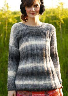 Weiter, grauweißmelierter Pullover, stricken mit Rebecca - mein Strickmagazin und ggh-Garn TOPAS DÉGRADÉ (41% Wolle, 32% Polyacryl, 18% Polyamid). Garnpaket zu Modell 18 aus Rebecca Nr. 59
