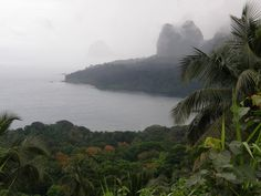 View of the islands and Boné de Jockey at the far end  08/2007