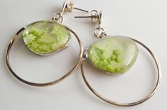 Green earrings fused glass gems for hersterling di LaTerraCanta