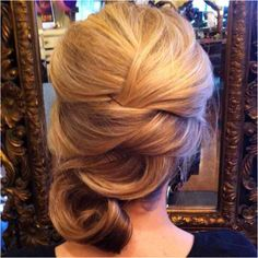 I love these types of updos, the elegance of them is just stunning.