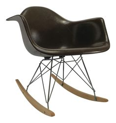 Vintage Eames Rocking Chair - ELLEDecor.com #EamesChair